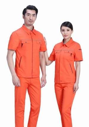 橘红色作业服书写了岗位的荣耀