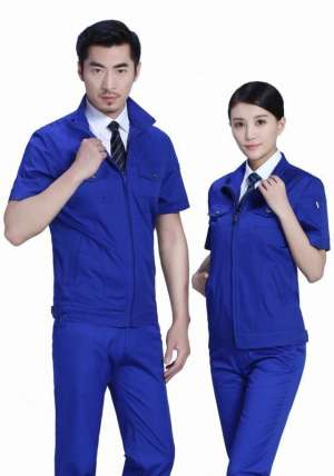 秋季订制工作服的面料要考虑到透气性和保暖性双具备